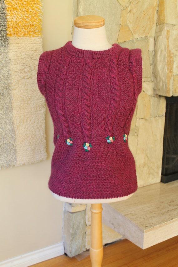 70s Embroidered Sweater Vest Bavarian Handknit cot