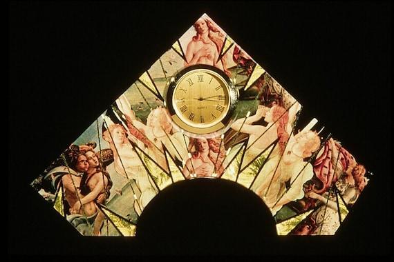 Botticelli Pyramid Clock