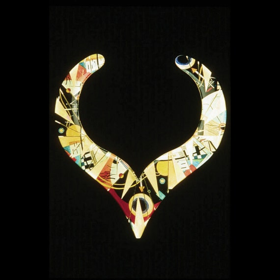 Metallic Art Graphics V Collar Necklace