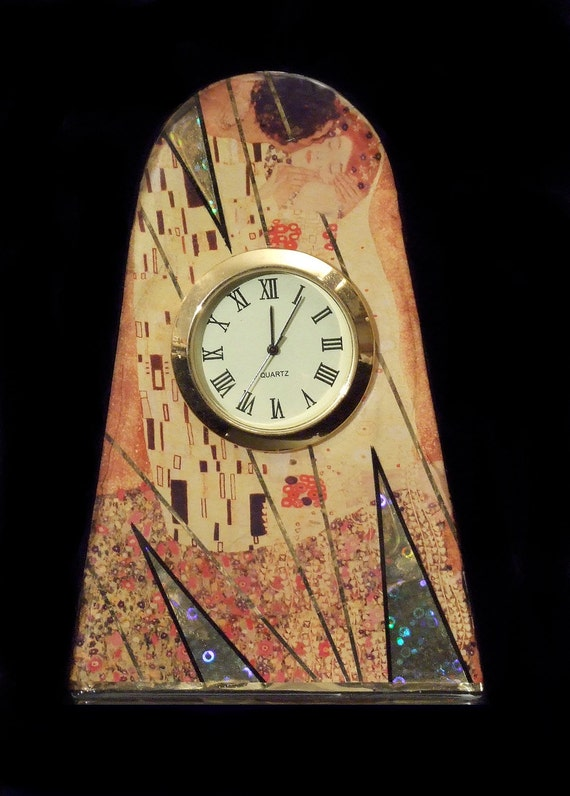 The Kiss Klimt Clock