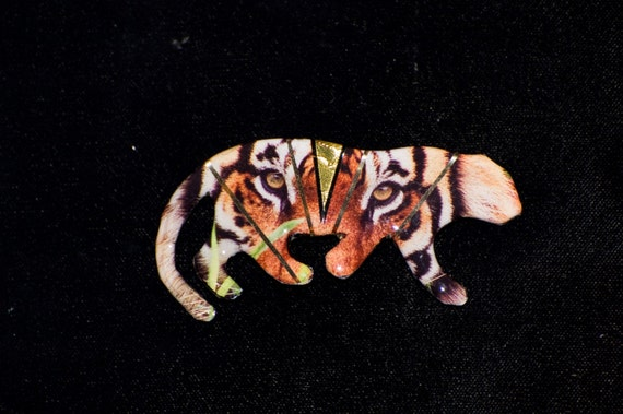 Metallic Art Graphics Tiger Pin