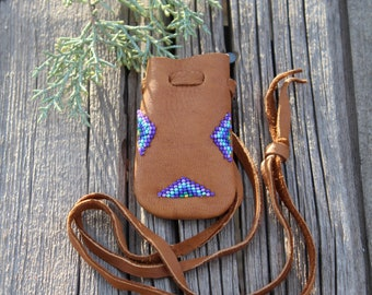 Beaded buckskin medicine bag, small amulet necklace bag, beaded gift bag, beaded mojo bag, shamans medicine pouch,