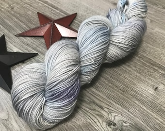 SLEEPING KITTENS, hand dyed yarn 80/20 BFL, superwash Bluefaced Leicester wool nylon fingering, gray, blue, black speckled