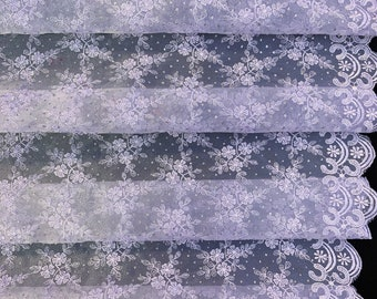 65 Wide Elegant Lilac Floral Tulle Lace Fabric