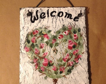 READY TO SHIP Painted Slate Sign Roses Heart Wreath Valentines Day decoration Outdoor hanging slate welcome sign, vine wreath mother's