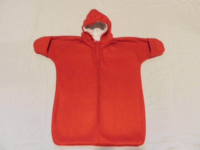 CHRISTMAS RED  Fleece Baby Snuggy Bunting Coat  Newborn  0 to 6 months