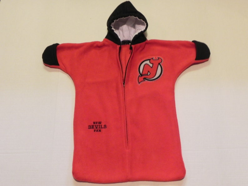 check out d928b 8bc4b NHL New Jersey DEVILS fleece Baby Snuggy Bunting Coat Newborn 0 to 6 months