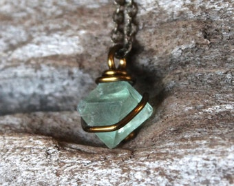 Petite Fluorite Necklace - Octahedron Stone Necklace - Green Fluorite Pendant - Gypsy Jewelry - Boho Chic Wedding Jewelry - Bridesmaid Gift