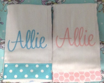 Set of 2 personalized burp cloths, ALLIE
