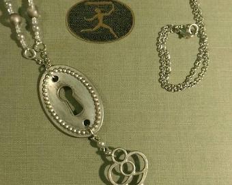 Vintage Style Key & Keyhole Necklace