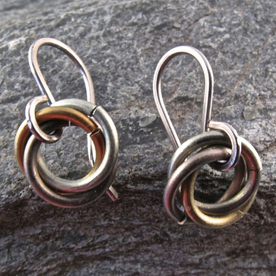 NIOBIUM EARRINGS .celtic knot. friends. eternity. infinity. love. friendship. mobius. small. child. earth tone nickel free No.00E206