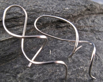 sterling silver SPIRAL EARRING. twist. coil. corkscrew simple modern minimal nickel free square wire. argentium jewelry No.00E301