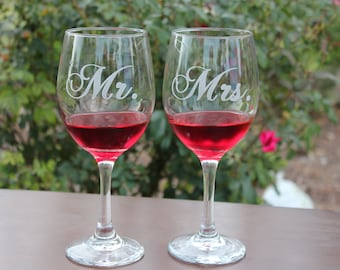 2 Wine Glasses With Mr. and Mrs.  Personalized Wedding Wine Glasses, Engraved