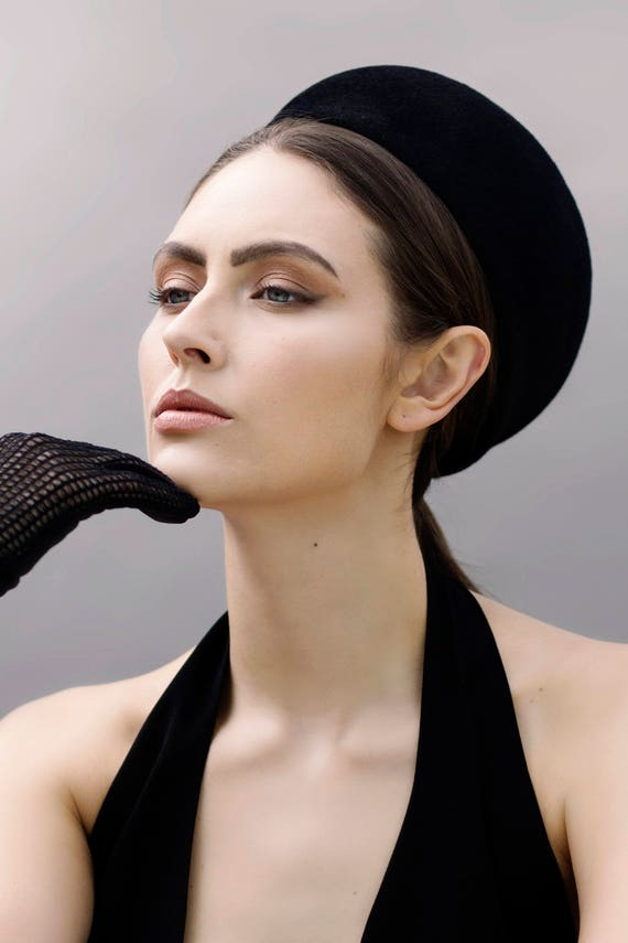 Pillbox Hat Jackie O Style Valentina Felt Ladies Vintage Beret Style Beaded Hat 1960/'s Era
