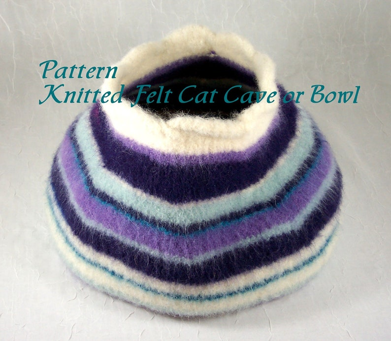 Knitted Felt Pattern for Cat Cave  Pet Bed or Storage Bowl image 0