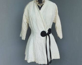 Vintage Quilted Robe, Evelyn Pearson, Off White or Ivory w/Black Quilted Robe, Short Robe, Asian Detailing