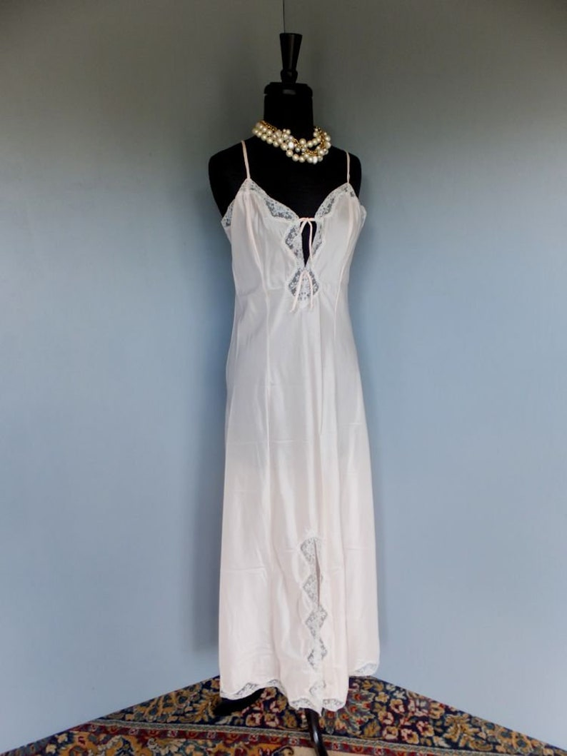 a6963c07573 Vintage 60s 70s Nightgown Barbizon Floor Length Satin Gown