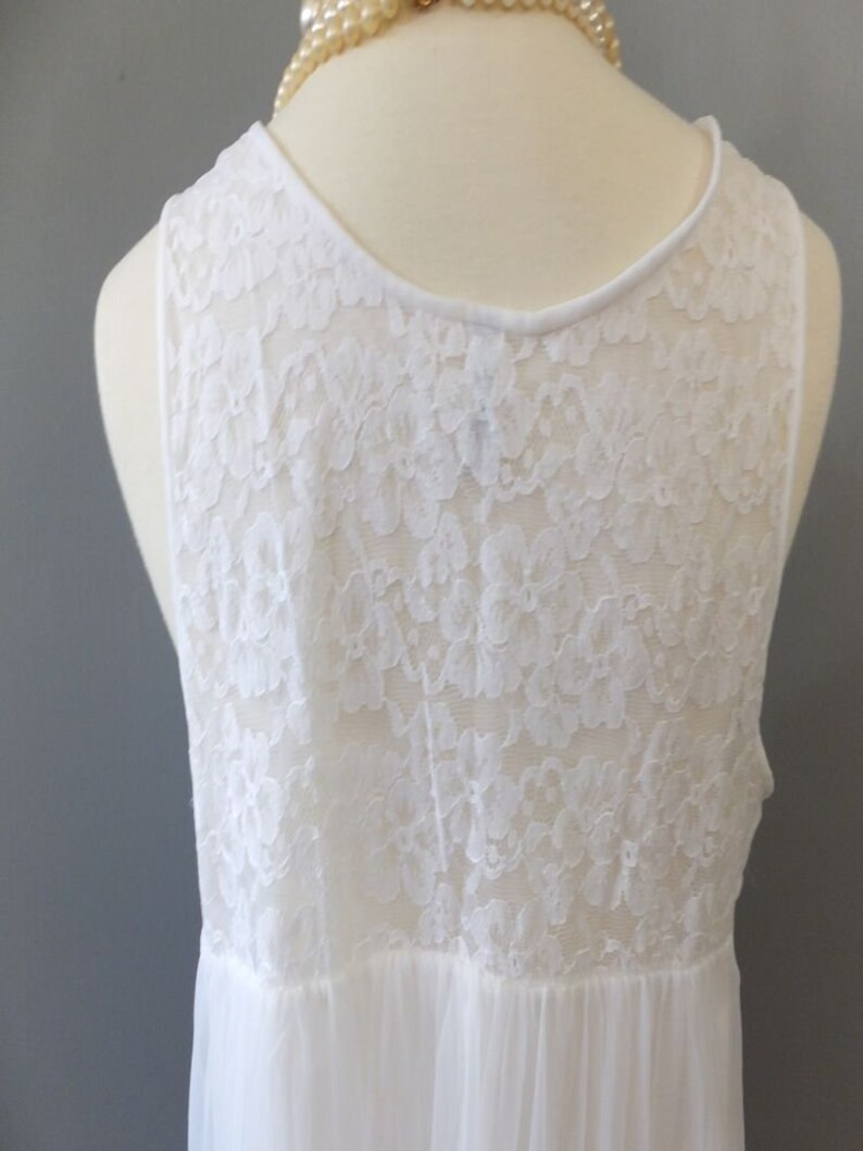 Med Komar Average Vintage 60s70s Lingerie White Chiffon and Lace Nightgown Wedding or Bridal Lingerie