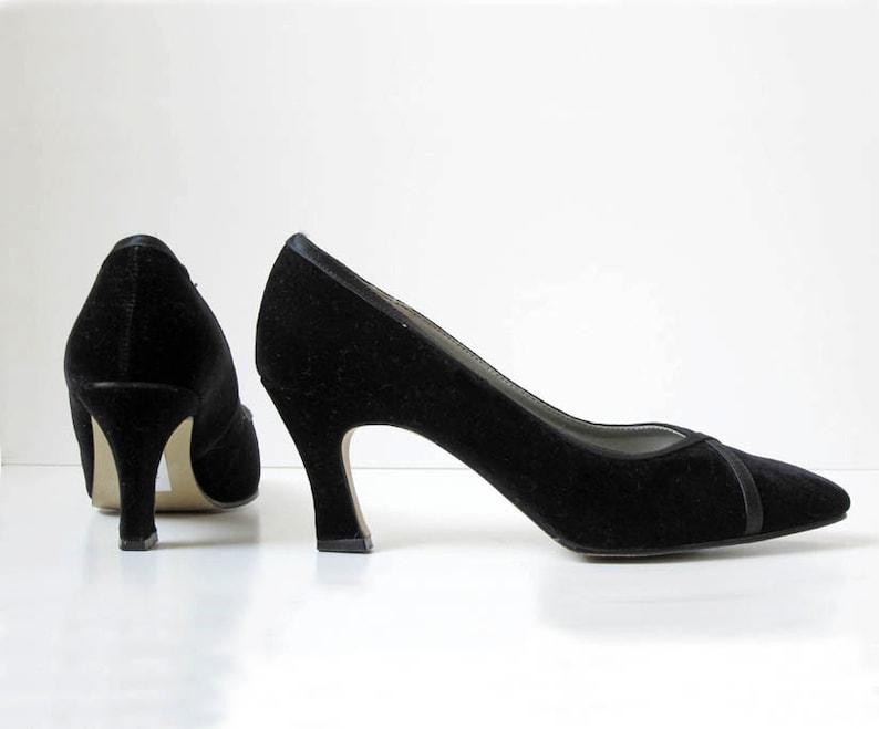 2d76edc436f07 90s black velvet pumps vintage high heel shoes US 7.5 | Etsy