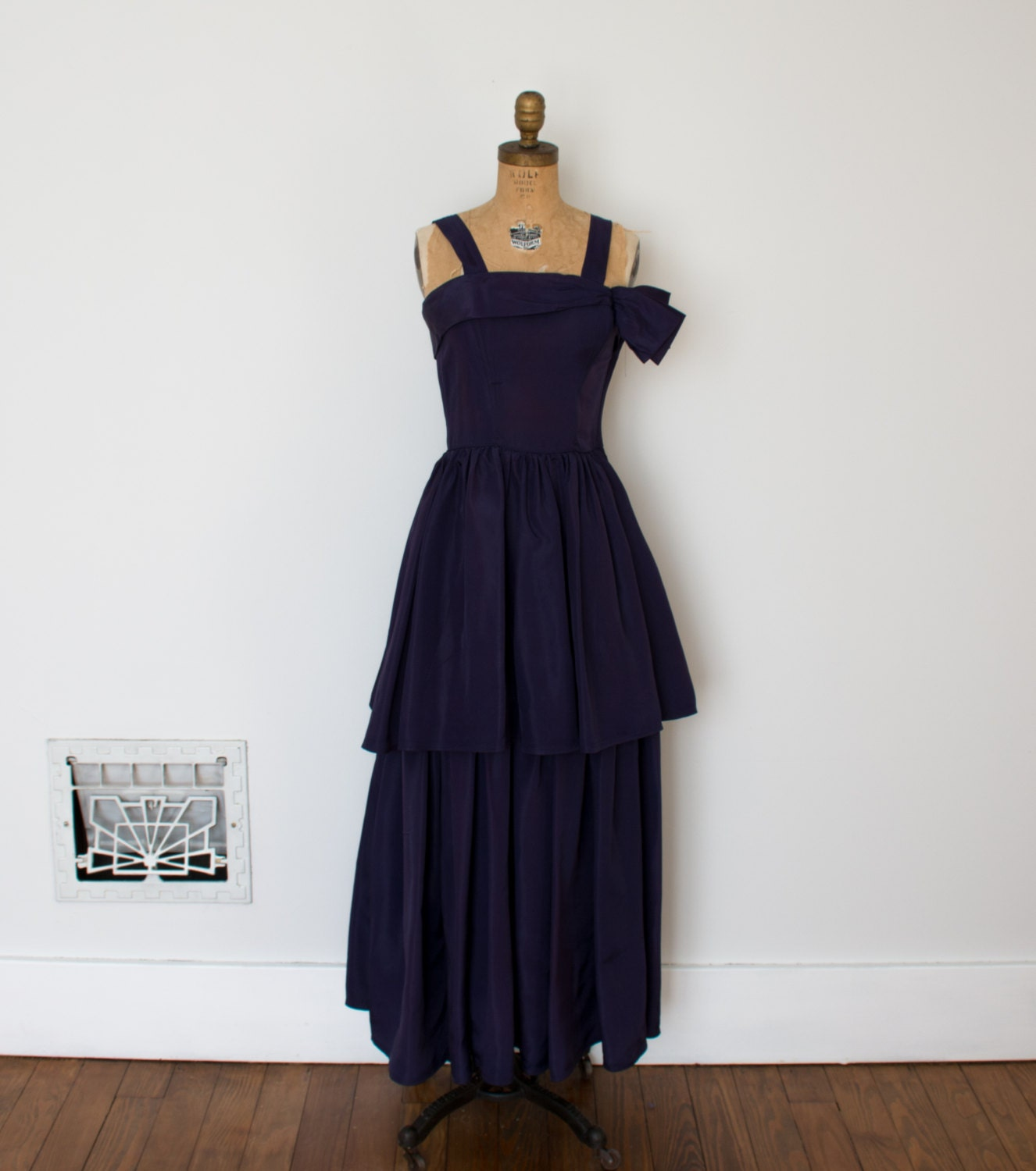 1940s Dressing Gown: ON SALE Vintage 1940s Dress 40s Evening Gown The