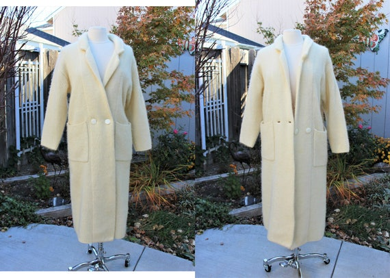 1990's White Wool Mohair Blend Sweater Coat Petite