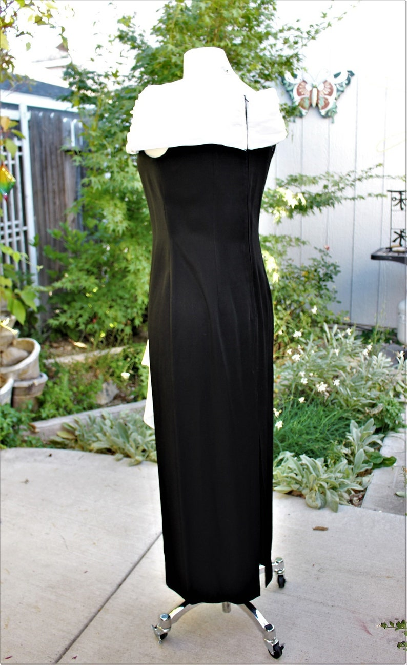 1990/'s Black and White Formal Evening Gown Chiffon Crepe Dress Sheath Size 910 Vintage Retro 90/'s Rhinestones Off Shoulder Prom Dance