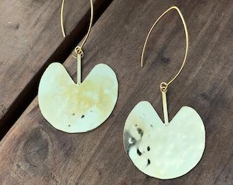 hammered gold earrings-lily pad earring-Minimalist modern earrings-chandelier earring -lightweight large earrings-goldplated jewelry Taneesi