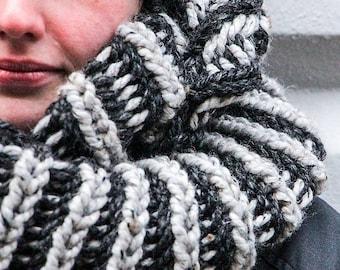 Knitting Pattern // The Vesterbro Infinity Scarf Pattern