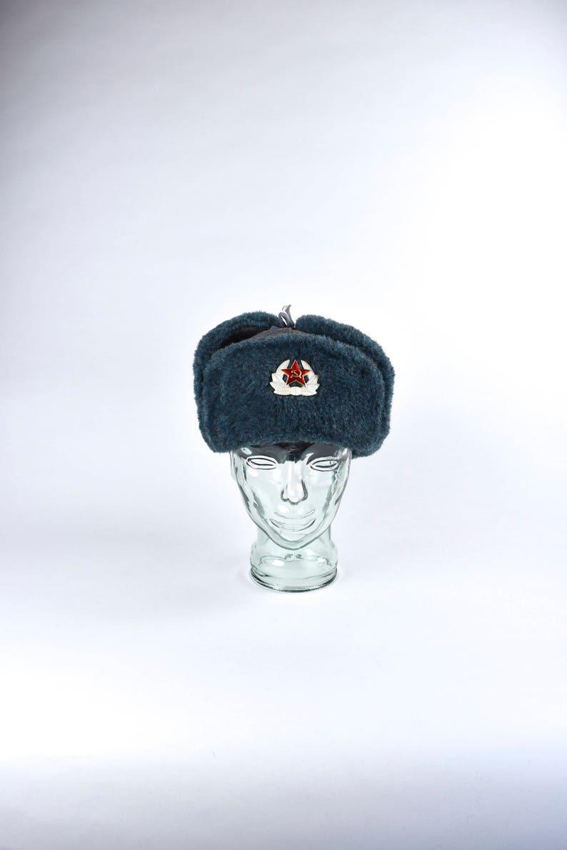 aaa2c7dbc55fb Communist Cold War Era USSR Ushanka Russian Winter Bomber Hat
