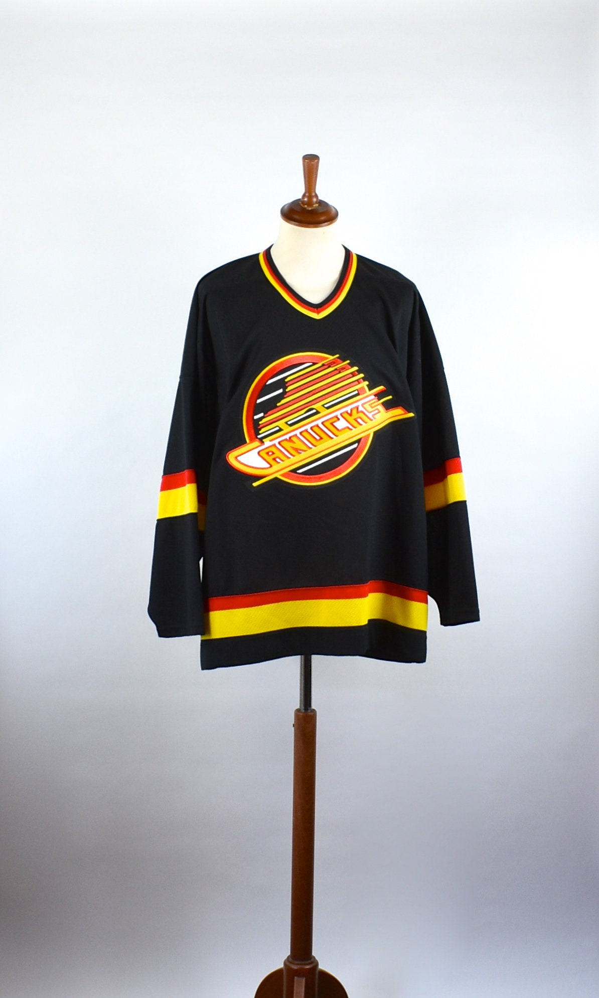 timeless design a3d60 bc445 Vancouver Canucks Retro Hockey Jersey by CCM, Size XL, Made in Canada