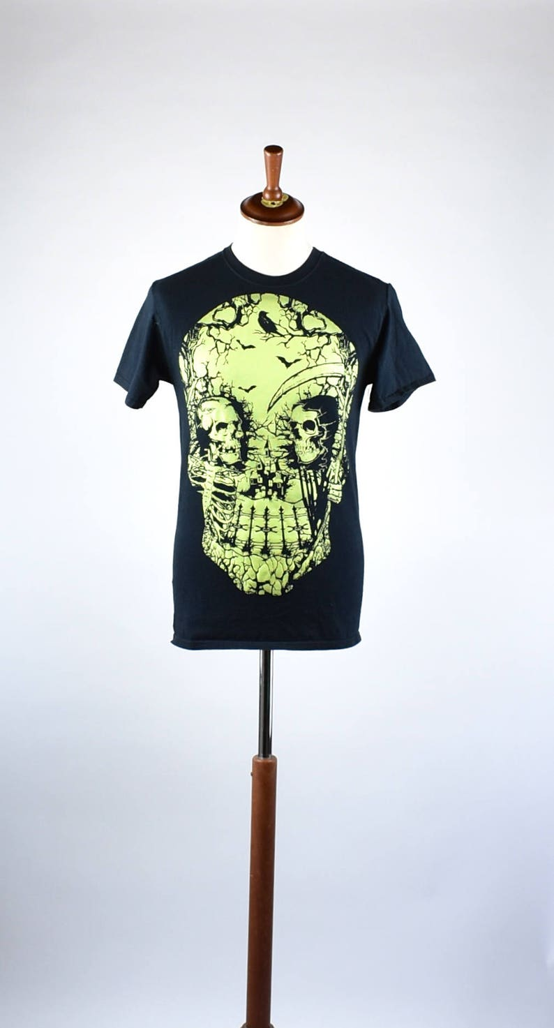 Glow In The Dark Skull T Shirt Size Small 100 Cotton Etsy