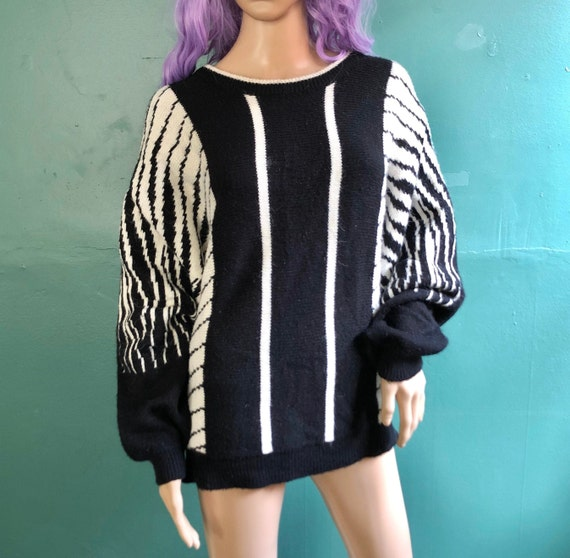 Gorgeous Vintage 80s Oversize Dolman Sleeve Sweate