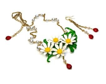 Upcycled Ladybug Flower Necklace Earring Set with Daisies, Ladybirds, Retro Fashion