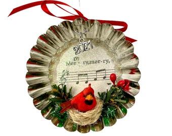 Collectible 2021 Cardinal Christmas Ornament, Diorama Christmas Decoration, Tart Tin