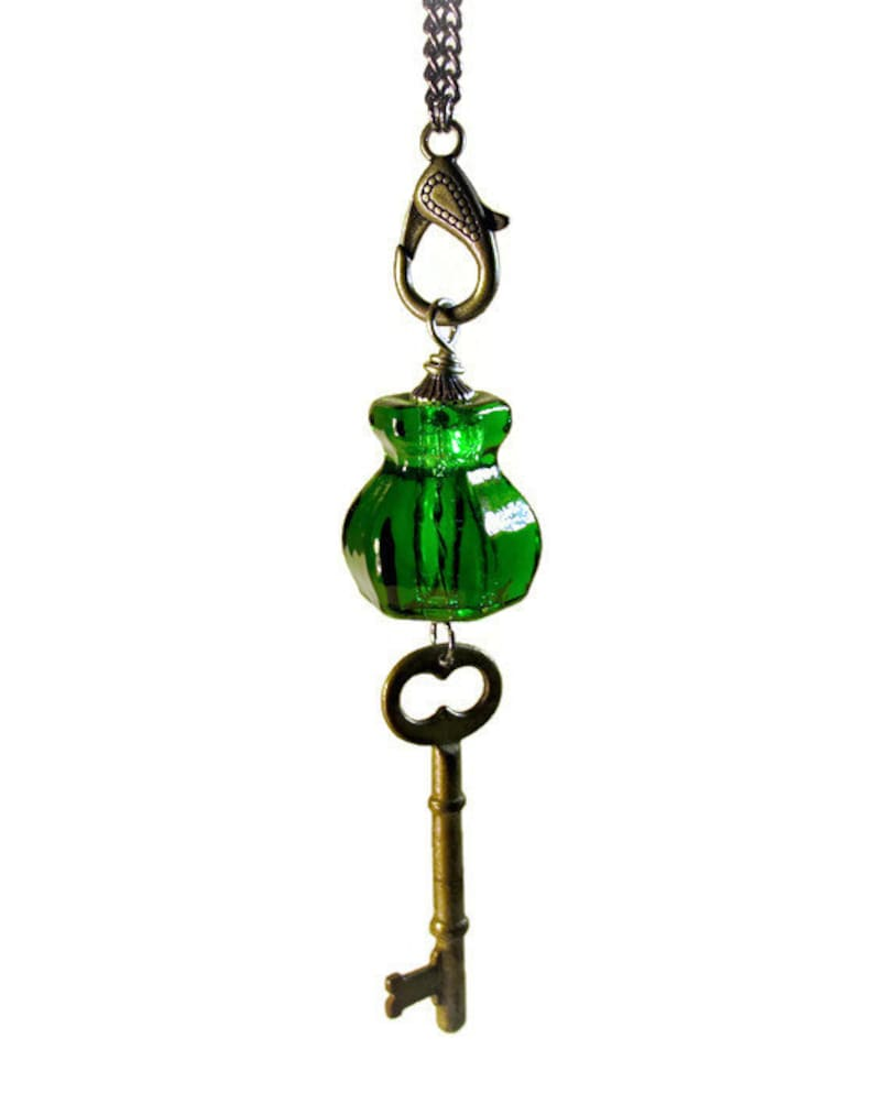 Long Key Necklace Emerald Green image 0