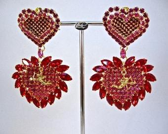 Queen of Hearts Cupid Clip Earrings
