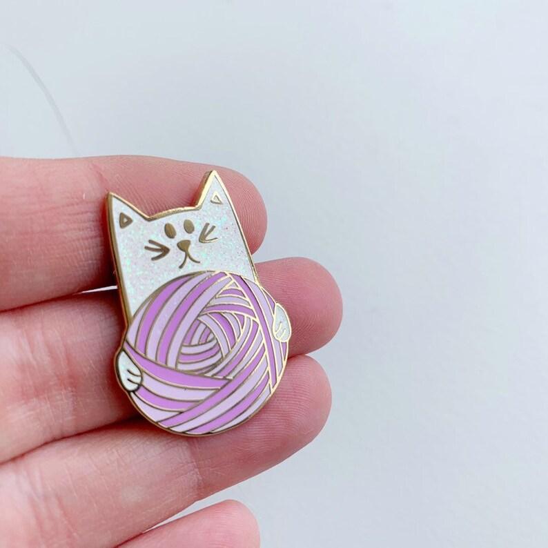 Knitting Cat Kitten Enamel Pin Yarn Wool image 0
