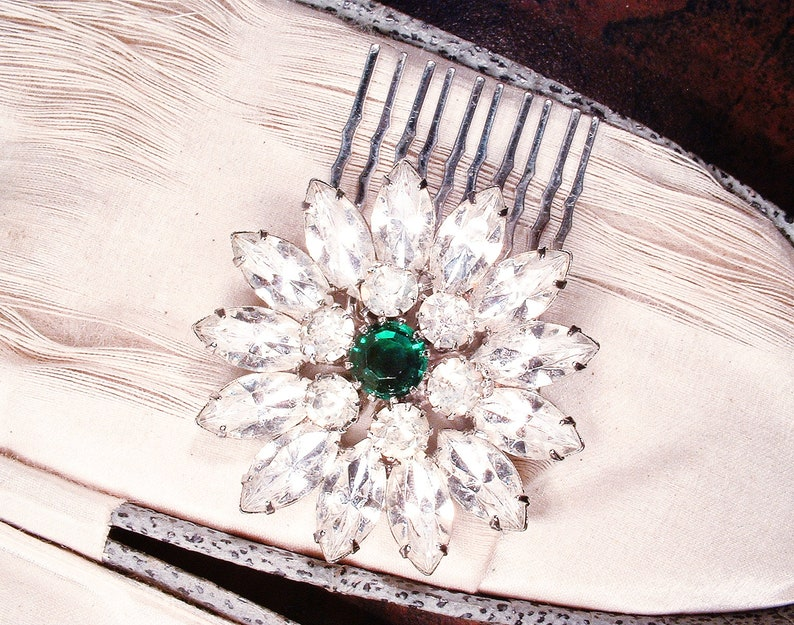 Vintage OOAK 1940s Vintage Emerald HAIR COMBWedding Sash Brooch,Green Rhinestone Art Deco Bridal Hairpiece 1920s Headpiece Head Piece Small