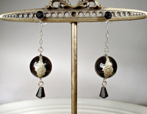 Antique Art Deco Black Onyx POOLS of LIGHT Earring