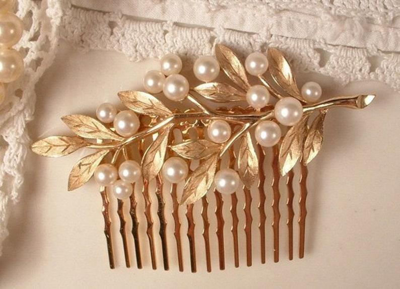 Vintage Brooch Wedding Headpiece Modern Rustic Chic Country Jewelry Designer TRIFARI Gold Leaf Pearl Bridal Hair Comb Pearl Head piece