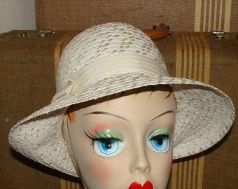 d6e7f23de89 Adjustable Tall Straw Like Fedora White Buttercream Asymmetrical Brim mid  Century Chic Ladies Travel Hat Church Pin Up Rockabilly Two Tone