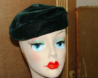 41c2a8f391ef0 Emerald Green or Noir Black Plush Velvet 30 s Deco Beret Ladies Hat 21-22  Asymmetrical Soft Pillbox Retro Mod Pin Up