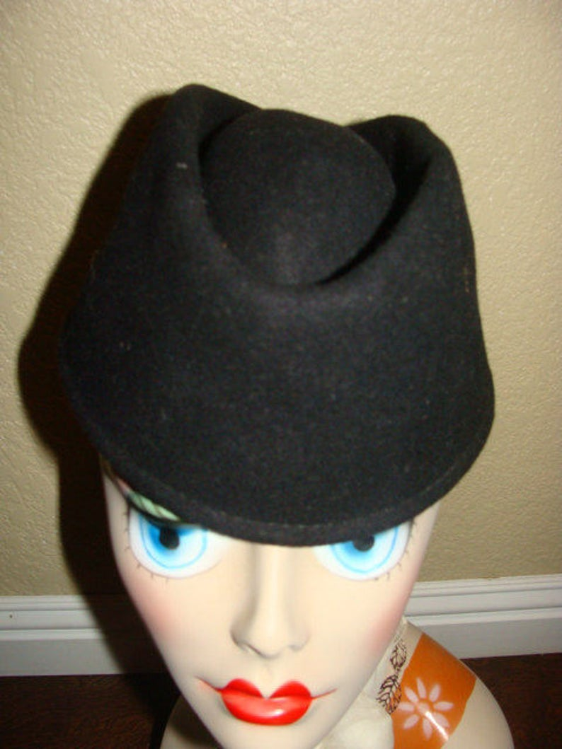 fd63bd11b4848 1940's Doeskin Felt Black GEO W BOLLMAN & Co Inc USA Made Military Style No  Brim Hat C Crown Mid Century PinUp Uniform Rockabilly Viva Chic