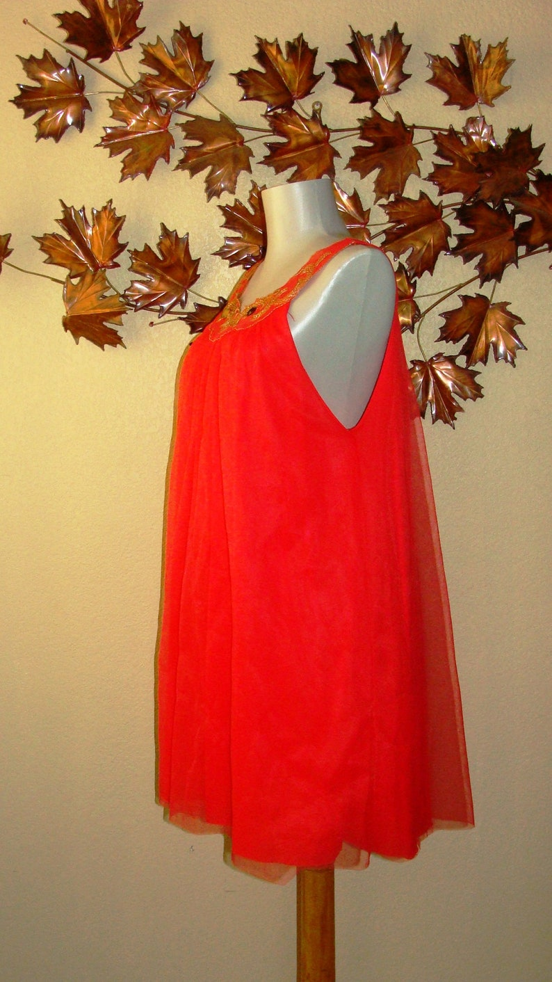 Mid Century Night Gowns Liz Taylor style chemise lingerie Coral Red Gold Embroidery Off White Floral Sheer Sleeveless S /& M Pin Up Underwear