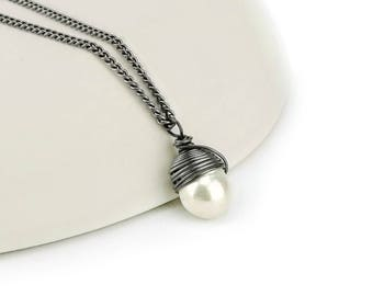 Titanium Pearl Necklace, Nickel Free Niobium Wire Wrapped Ivory Freshwater Pearl on a Titanium Necklace for Sensitive Skin