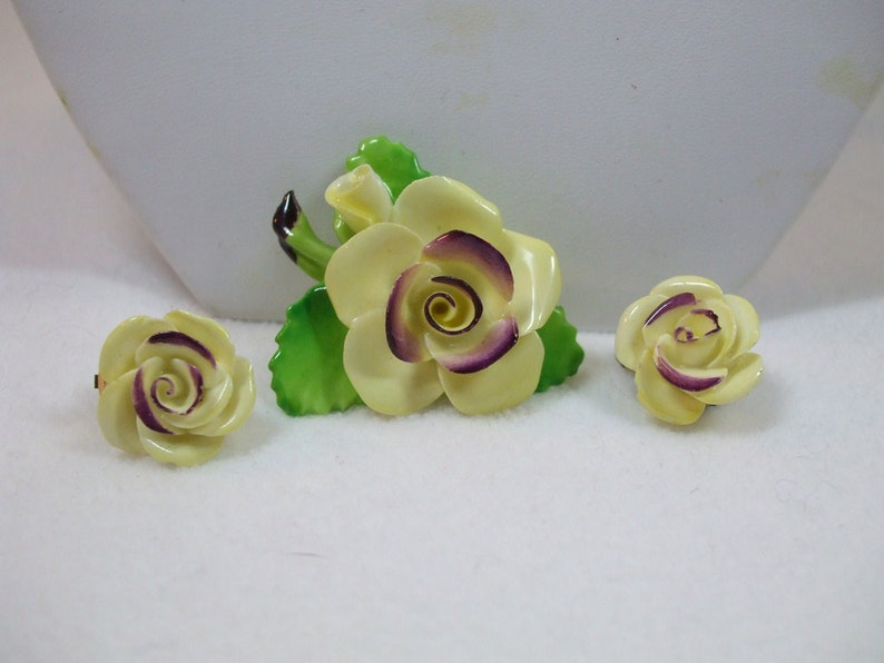 Vintage  Staffordshire china yellow rose vintage brooch and clip on earrings