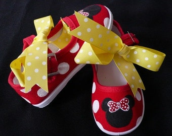 7076ac15d2ede Personalized Minnie Mouse Hand Painted Children's Shoes | Etsy