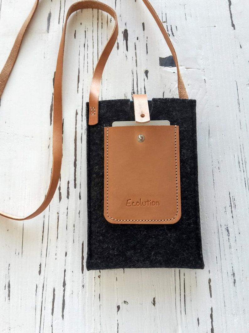 iPhone crossbody bag. Wool felt vegetable tanned leather. Eco friendly handmade in Switzerland