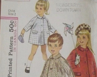 1964 Child's Coat Simplicity 5685 Sewing Pattern Size 2
