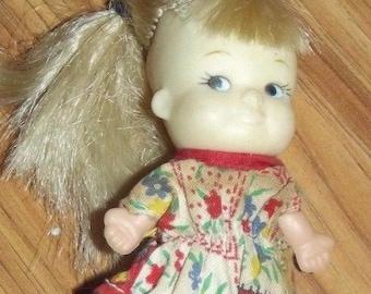 "Vintage Girl Pee Wee Doll 3 1/2"" Uneeda Doll Co 1966 Original Dress Shoes Blonde"